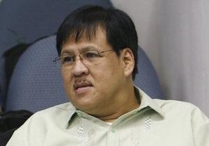 Самолет с главой МВД Филиппин на борту упал в море