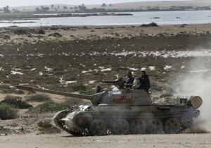 Тунис выразил протест Триполи в связи с обстрелом своей территории силами Каддафи