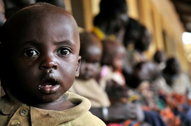 В світі помирає 11 мільйонів дітей молодше п'яти років. Найбільше - через недостатнє харчування. Сьогодні Всесвітній день дитини