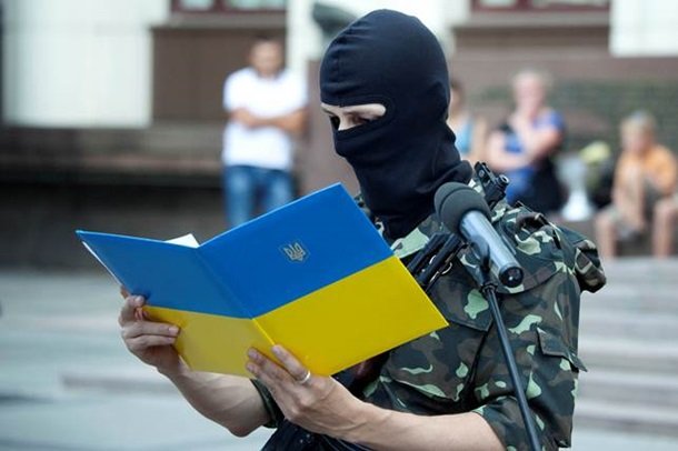 Батальон Шахтерск принял присягу и отправляется в зону АТО