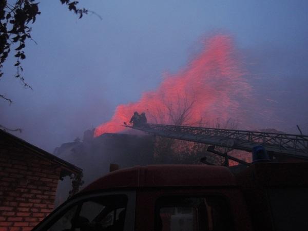 Пожар на Подоле в Киеве потушили