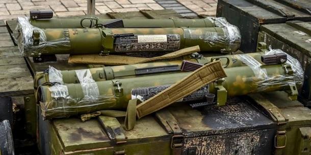 Боевики бьют по позициям сил АТО из танков, БМП, ПТРК, 120- и 82-мм минометов. За сутки - 66 обстрелов, - штаб - Цензор.НЕТ 6679