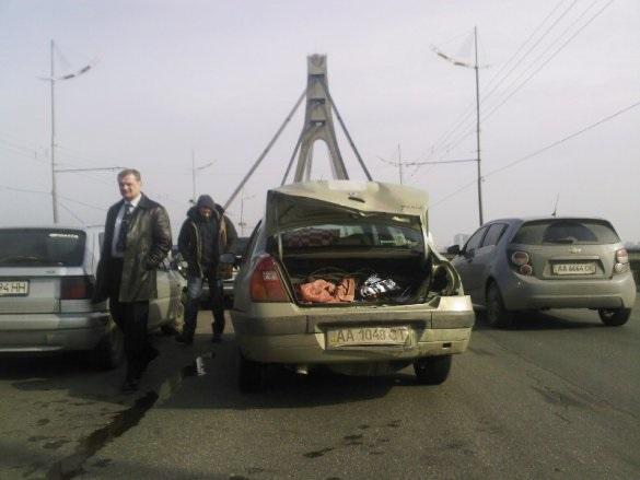 ДТП на Московском мосту: столкнулись четыре авто