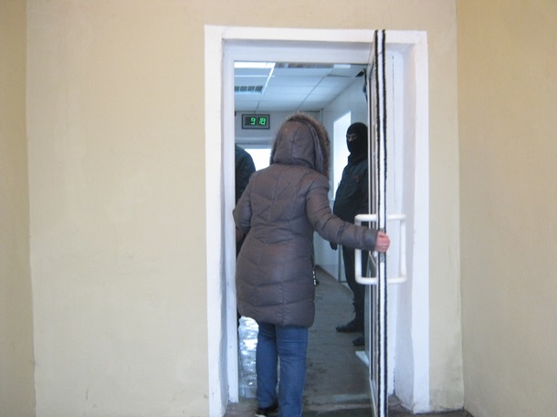 ФОТО: ОМОН заблокировал фабрику Roshen в Липецке