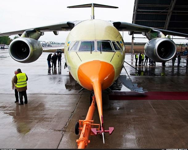 Украинский самолет Ан-178 совершил свой первый полет