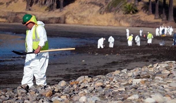 В Санта-Барбаре введен режим ЧС из-за разлива нефти