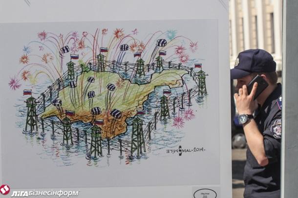 Выставка политкарикатуры на Подоле: Янукович, Путин, Крым
