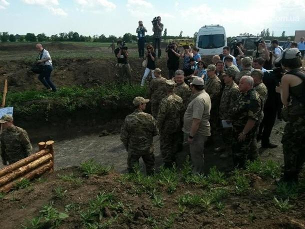 Фортификационные сооружения должны быть возведены до середины июля, - Порошенко - Цензор.НЕТ 3722