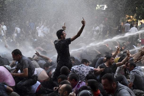 Протест в Ереване перекинулся на другие города