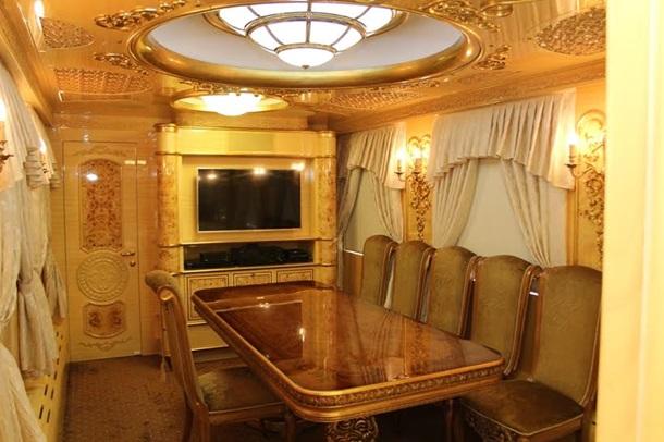 1665409 Укрзализныця показала элитные вагоны для VIP-клиентов