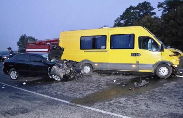 Фото: ДТП под Днепропетровском: пострадали семь человек