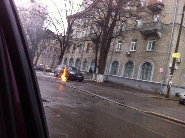 ВКиеве сожгли автомобиль юриста подозреваемых вубийстве Бузины— народный депутат Игорь Луценко