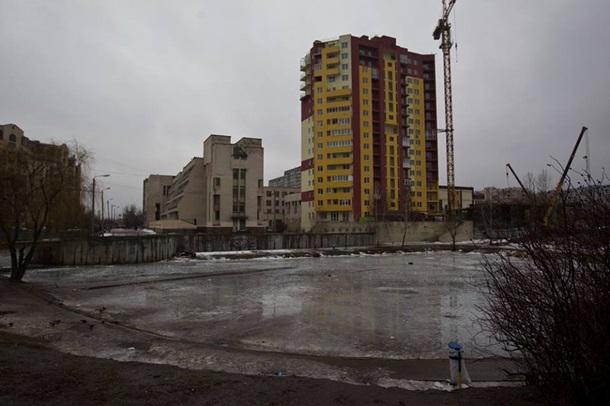Фото: Кличко сносит в Киеве незаконно построенную высотку