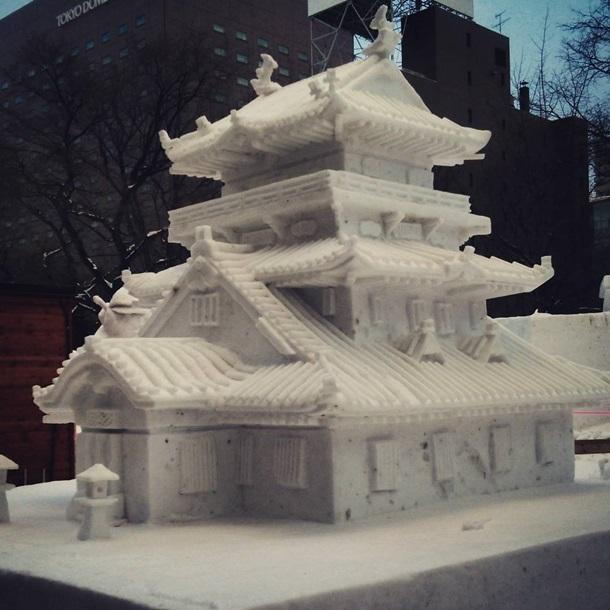 В Японском городке проходит фестиваль снега