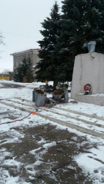 В Харьковской области снесли памятник Ленину