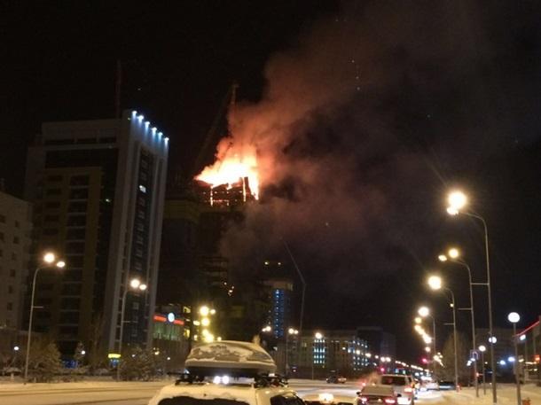 В Астане горит строящийся самый высокий небоскреб Центральной Азии