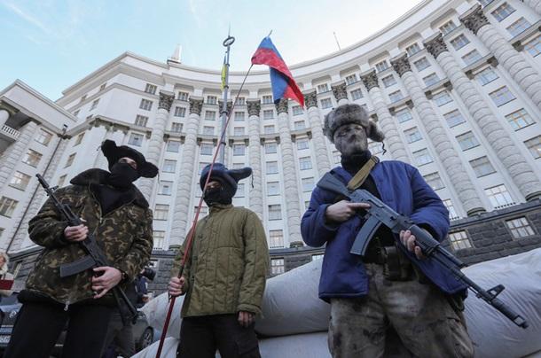Бунт против Сбербанка и пробки в ДНР: фото дня