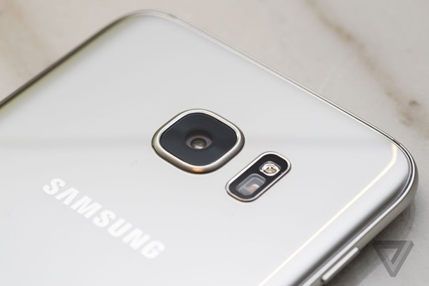 Samsung  официально представил самые ожидаемые флагманы 2016 года