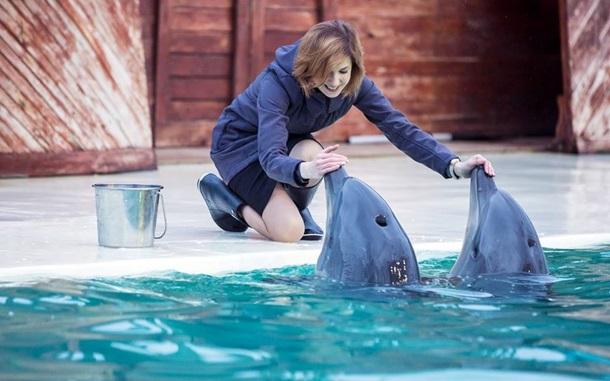 Поклонская с дельфинам, Папа без руки: фото дня