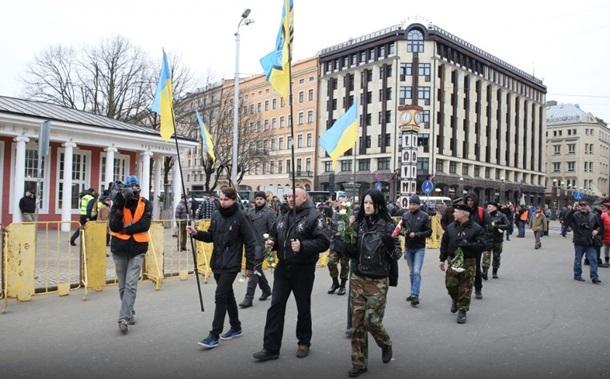 Азов приехал в Ригу на марш Ваффен СС