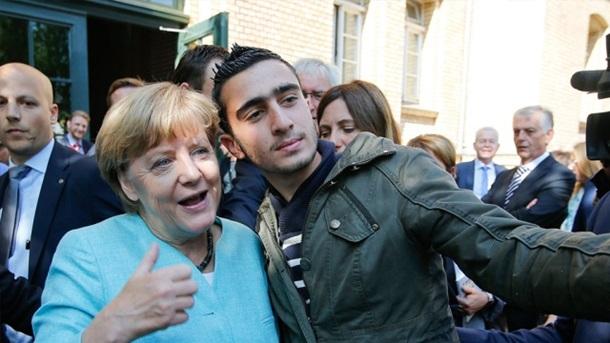 Меркель заподозрили в селфи с бельгийским смертником