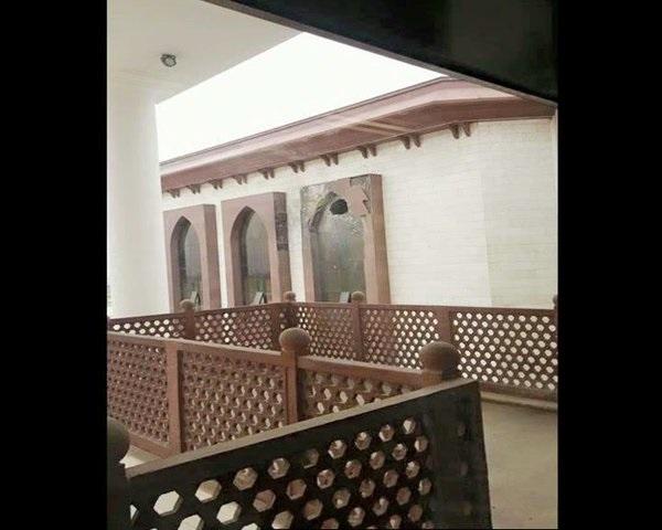 В здание парламента Афганистана попала ракета