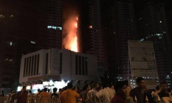 В ОАЭ вновь загорелся жилой небоскреб