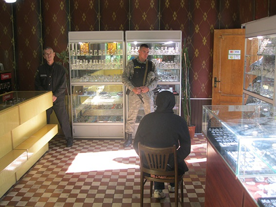 В Одессе женщина пыталась ограбить ювелирный магазин