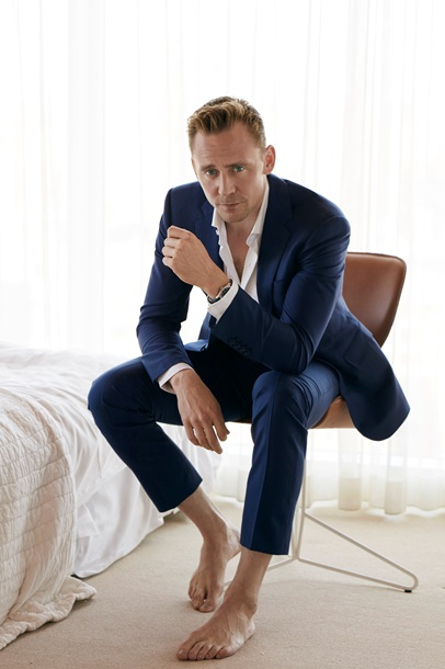 Том Гіддлстон роздягнувся для глянцю