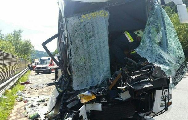 ДТП в Австрії з туристичним автобусом: 46 постраждалих