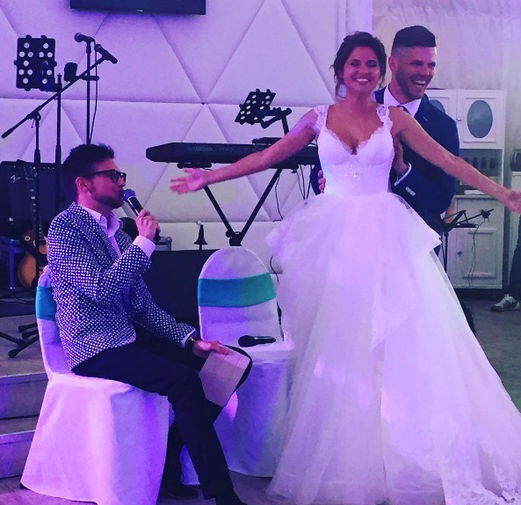 Актриса з кліпу  На лабутенах  вийшла заміж