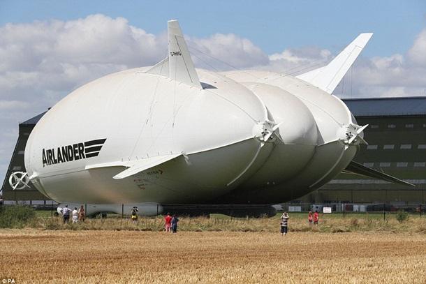 ВАнглии показали крупнейшее воздушное судно вмире