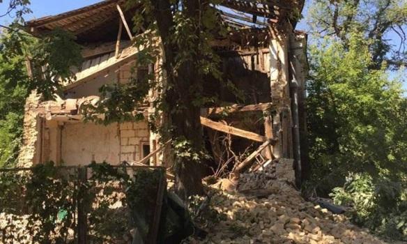 ВКиеве обвалился отселенный дом
