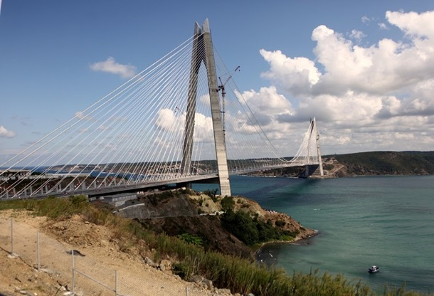 В Стамбуле открыли новый мост через Босфор