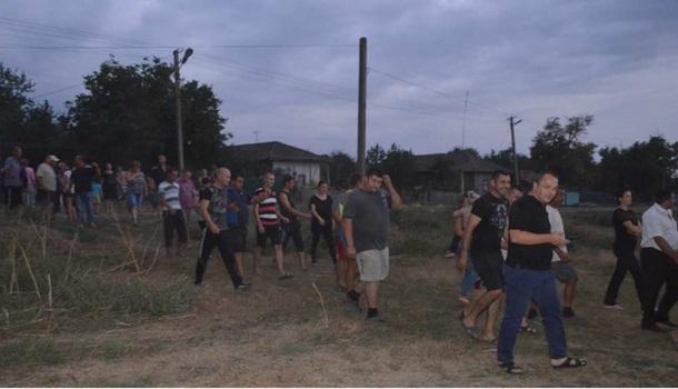Граждане Лощиновки потребовали выселить цыган из-за убийства ребенка