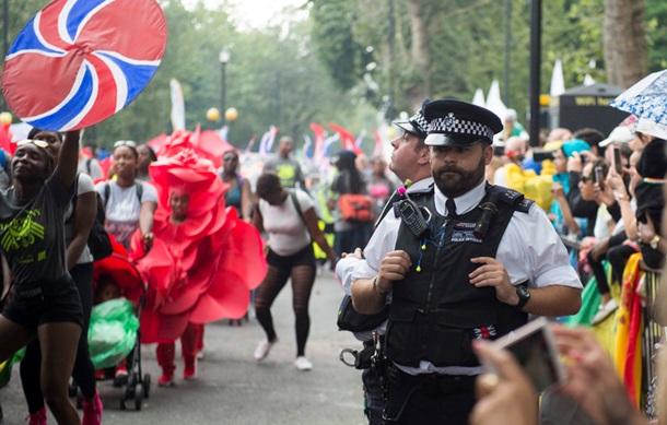 Драка на карнавале в Лондоне: более 100 задержанных