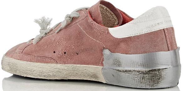 Дизайнеры продают порванные грязные кроссовки за 600 долларов