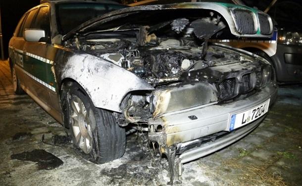 ВДрездене неизвестные подожгли три полицейские машины