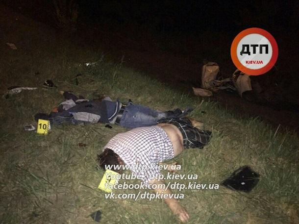Навыезде из украинской столицы случилось ДТП: четверо погибших