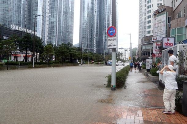 У Південній Кореї врезультаті тайфуну загинули семеро людей