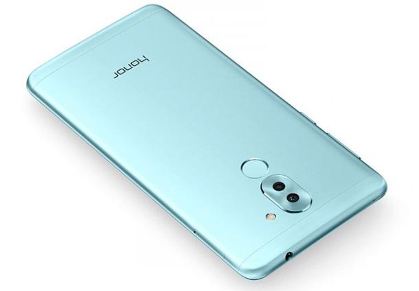 Huawei выпустила дешевый смартфон с двойной камерой