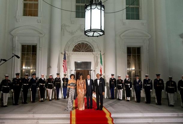 От Versace. Как прошла последняя вечеря Обамы