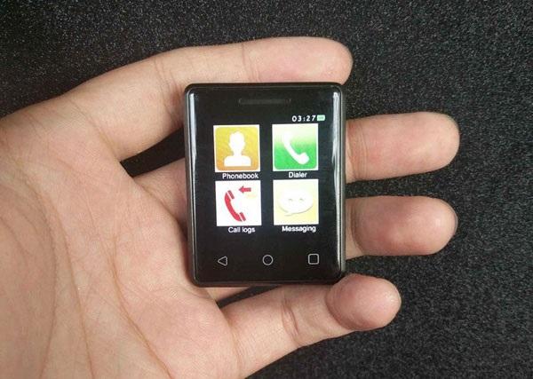 Представлен самый маленький сенсорный телефон
