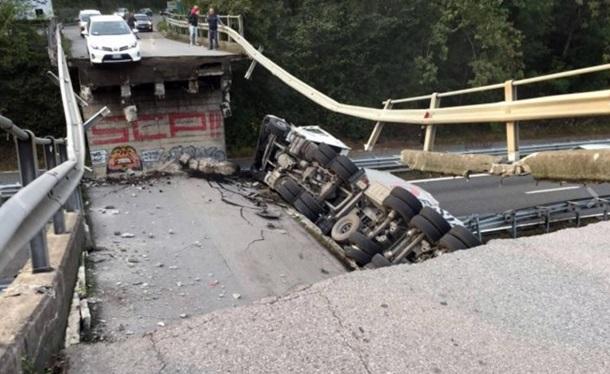 ВИталии 10 человек пострадали иодин умер при обрушении дорожной эстакады