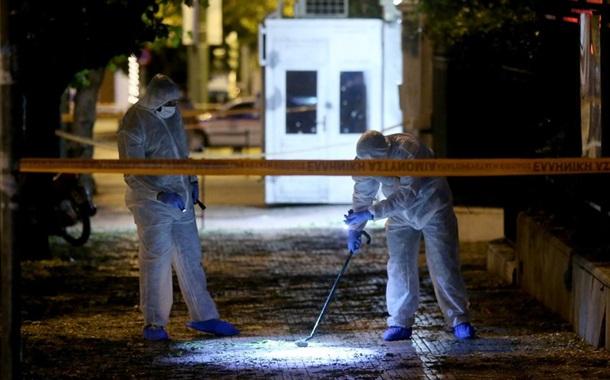 ВАфинах неизвестные бросили гранату натерриторию посольства Франции