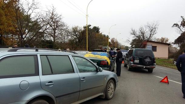 Владельцы авто блокируют пункты пропуска награнице сРумынией