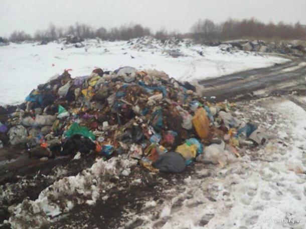 Под Киевом пытались незаконно выгрузить мусор из Львова