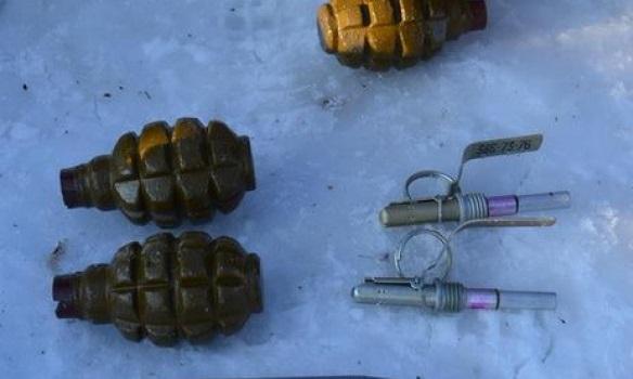 Под Ивано-Франковском СБУ нашла три схрона соружием