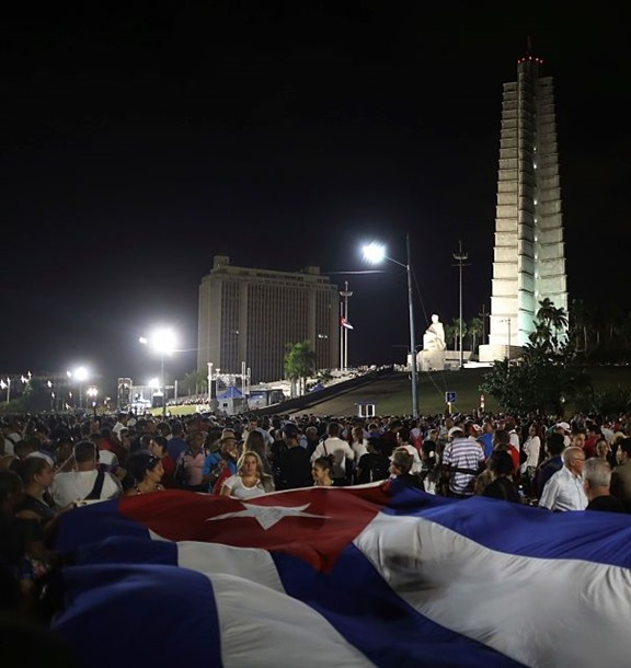 На митинг в честь Кастро пришли миллион человек