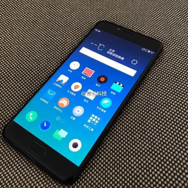 Утекли фото смартфона Meizu с изогнутым дисплеем